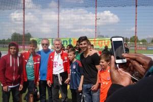 Und zum Abschluss gab es auch noch Gruppenfotos mit dem Bayern-Vertreter..