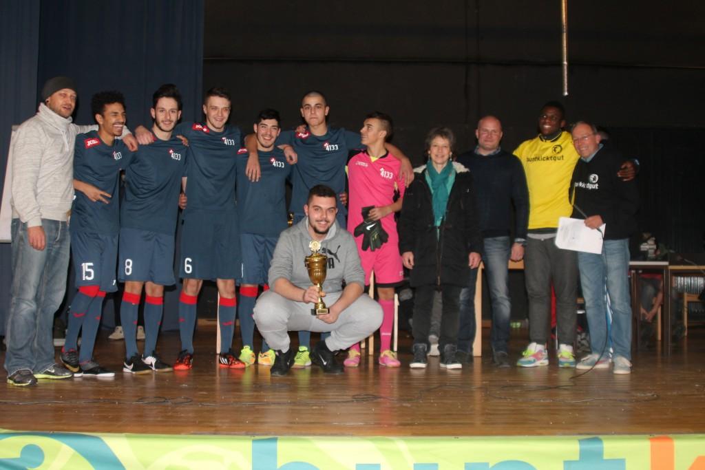 Ölum los mer zue Basel aus der Schweiz zu Besuch beim Ü17 LigaCup