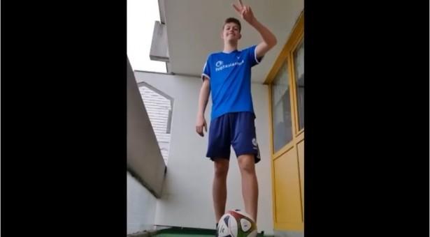 buntkicktgut stays at home – Video online!
